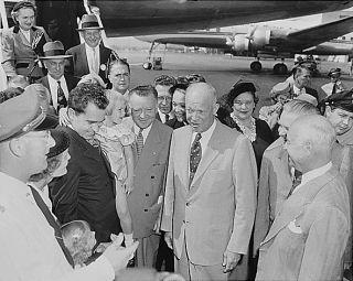 Richard Nixon Spiro Agnew 1968 Presidential Campaign Pin Back Button 2