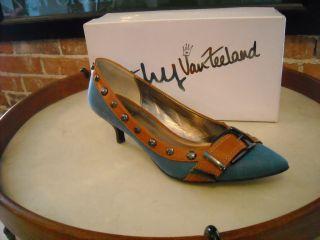 Kathy Van Zeeland Heart Denim Blue Kitten Heel Pumps New