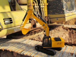 12 Scale Earth Digger 4200XL Hydraulic Excavator RTR Version 1 5