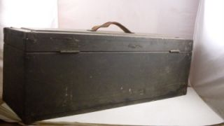 VINTAGE WOODEN CARPENTERS CHEST TOOL BOX HINGED LID LOCK & TOOL TRAY