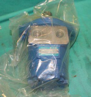 Char Lynn Eaton H070AA2F Hydraulic Motor Pump F019 001 06 H 070AA2F J
