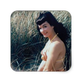 Bettie Page Vintage Pinup in Organe Bikini Dunes Square Sticker