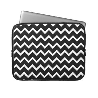 Black and White Zig Zag Pattern. Laptop Computer Sleeves