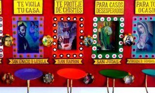 LINDO SPIRITUAL INSURANCE SAINTS NICHO MUSEUM QUALITY MEXICAN FOLK ART