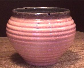 Hull Pottery 75 Planter Pink w White Specks Outside