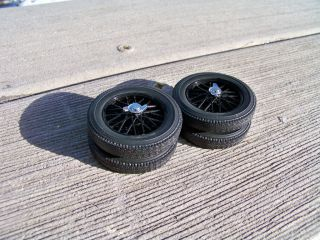 18 Signature 1930s Black Wire Wheels with Chrome Center Cap Wheel