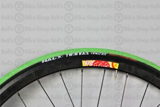 Halo Courier Twin Rail w Bike Tire 700 x 29c Neon Green