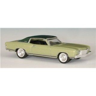 08303   Revell   70 Chevy Monte Carlo Spielzeug