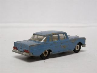 Dinky Toys 186 1/43 Mercedes Benz 220SE Diecast Model Toy Car