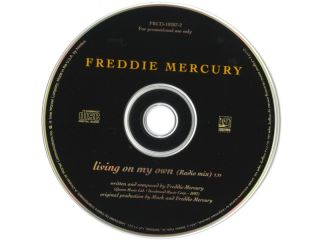 QUEEN   FREDDIE MERCURY  CD SINGLE   LIVING ON MY OWN   USA