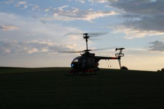 RC Helikopter Hughes MD500 ferngesteuerter Hubschrauber Replika fast 1