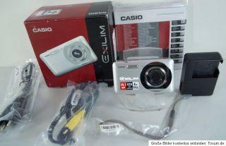 Casio Exilim EX Z800 Digitalkamera 14 Megapixel, 4 fach opt. Zoom