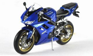 NEW Welly 110 Triumph Daytona 675 Blue Motorcycle Model & Collection