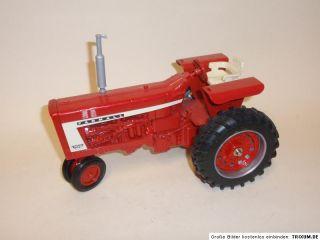 2307 INTERNATIONAL HARVESTER Farmall 706 Diesel Traktor (3809)