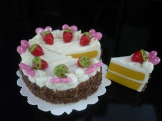 Chocolate Sliced Cake Fruit Top Dollhouse Miniatures (L3.5cm) Food