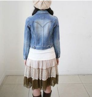 Please ignore the size label (M or L) attached to the denim jacket