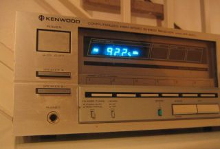 Kenwood KR 820 L Stereo Receiver in silber