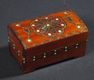 POLISH FOLK ART carved wooden trinket jewelry box POLAND goral carving