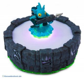 Multiplattform   6 Skylanders Figuren mit Wireless Portal of Power