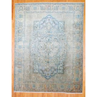 Persian Hand knotted Beige/ Green Antique Tabriz Wool Rug (10 x 13)