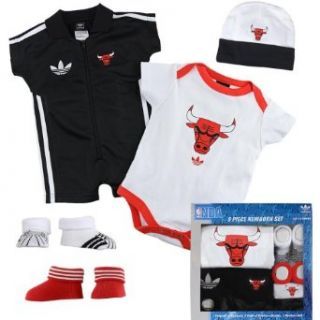 Chicago Bulls 5 Piece Newborn Baby Set Clothing