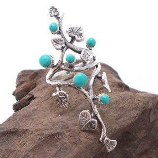 Sterling Silver Beautiful Vine Leaves Round Turquoise Ring (Thailand