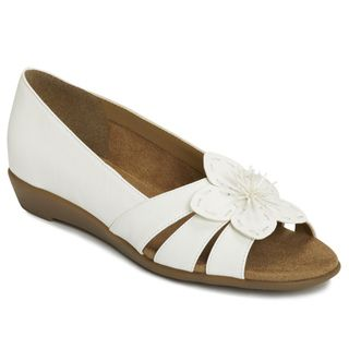 A2 by Aerosoles Womens Baccarat White Flower Sandals