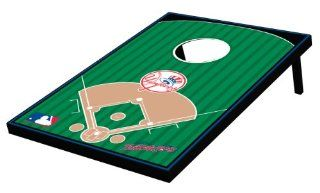 MLB New York Yankees Tailgate Toss Game