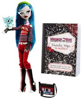 Monster High Ghoulia Yelps Doll with Pet Owl Sir Hoots A