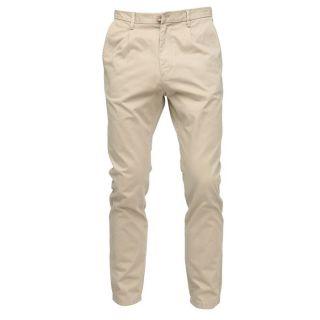 Modèle Nap   Coloris  beige. Pantalon à pinces, fermeture zippée