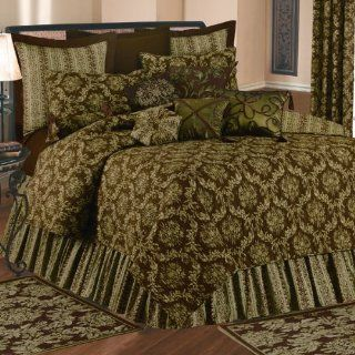 Windsor Damask Green and Brown King Quilt   Williamsburg