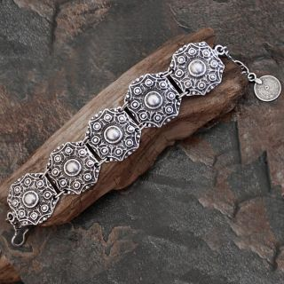Silverplated Pewter Anatoliya Shields Link Bracelet (Turkey