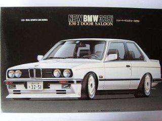BMW E30 E 30 325 3er 3 er COUPE WEISS WHITE 1/24 FUJIMI BAUSATZ KIT