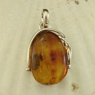 Sterling Silver Honey Baltic Amber Leaf/ Vine Pendant (Lithuania