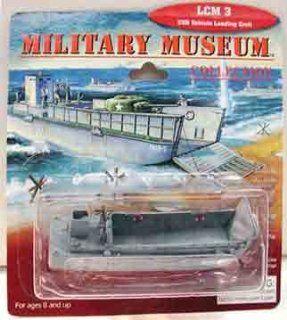 1/144 LCM 3 USN Landing Craft: Toys & Games